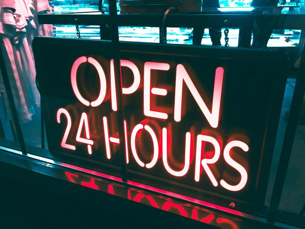 servicio call center telefono permanente 24 horas
