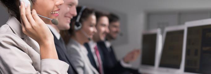 recepción de llamadas telefonicas para empresas de escaleras mecanicas o ascensores